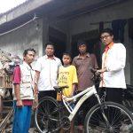 Senyum Bahagia Mendapatkan Bantuan Sepeda